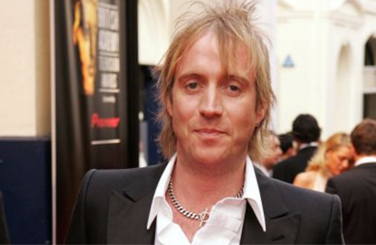 Rhys Ifans   Best and Famous Welsh Actors and Actresses