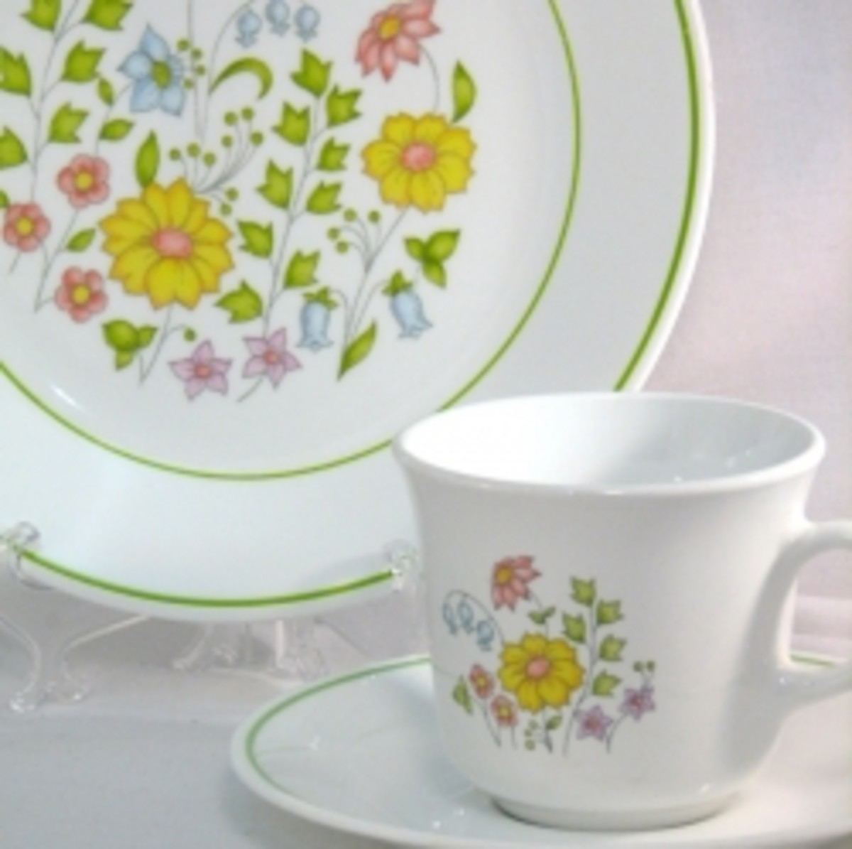 sc 1 st  HubPages & My First Dinnerware - Vintage Corelle | HubPages