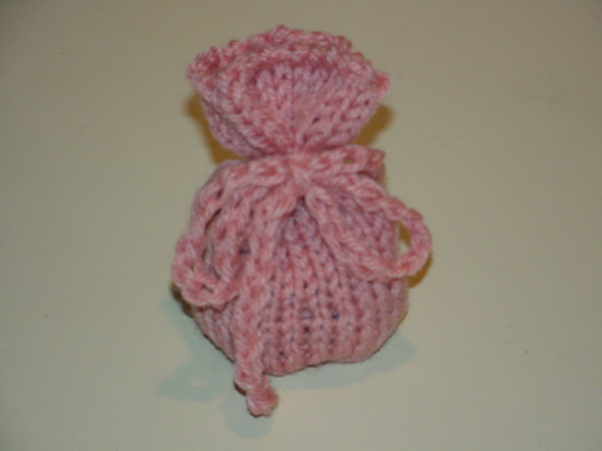 Sachet Knitted with the Round Looms