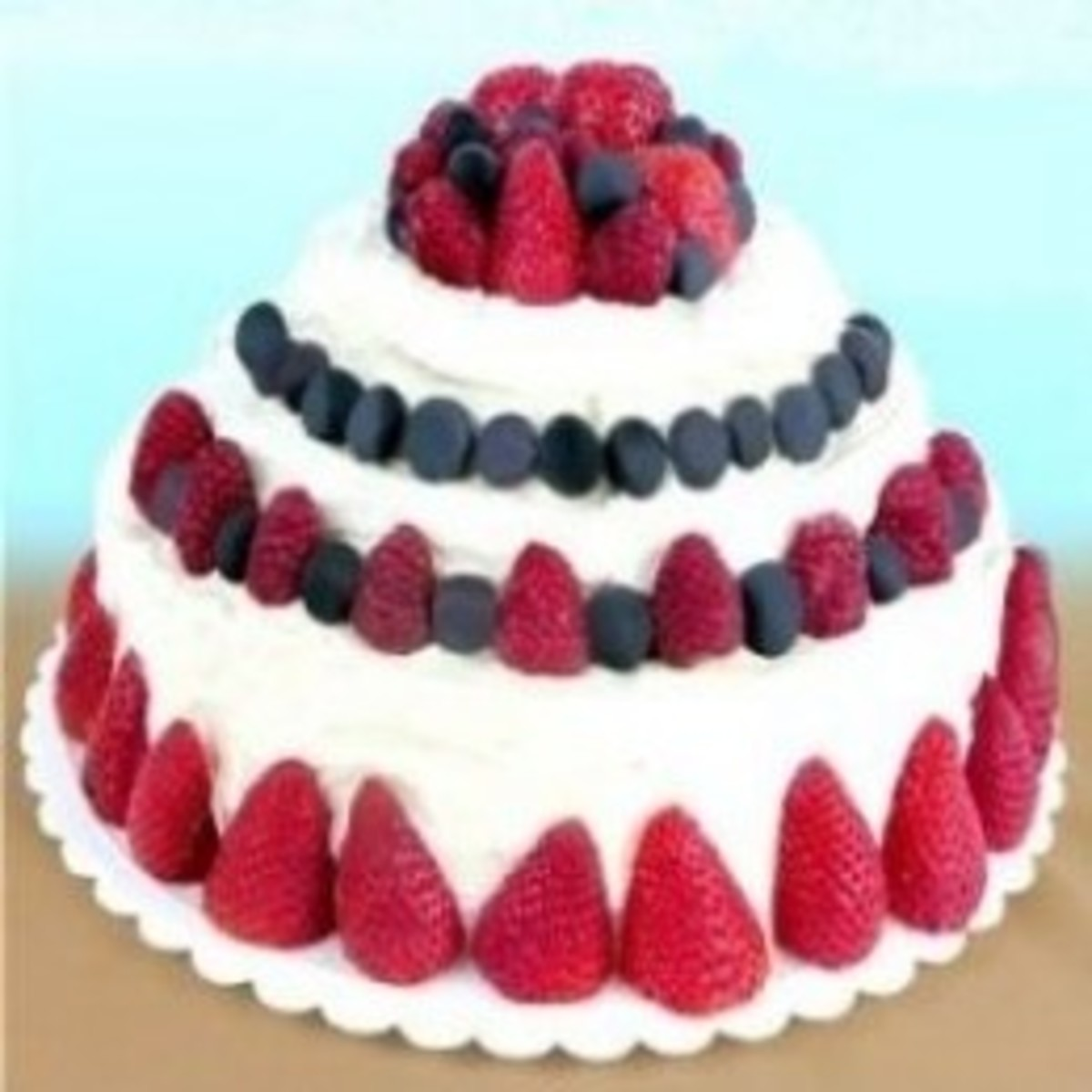 An easy way to make your own 3 tier cake!