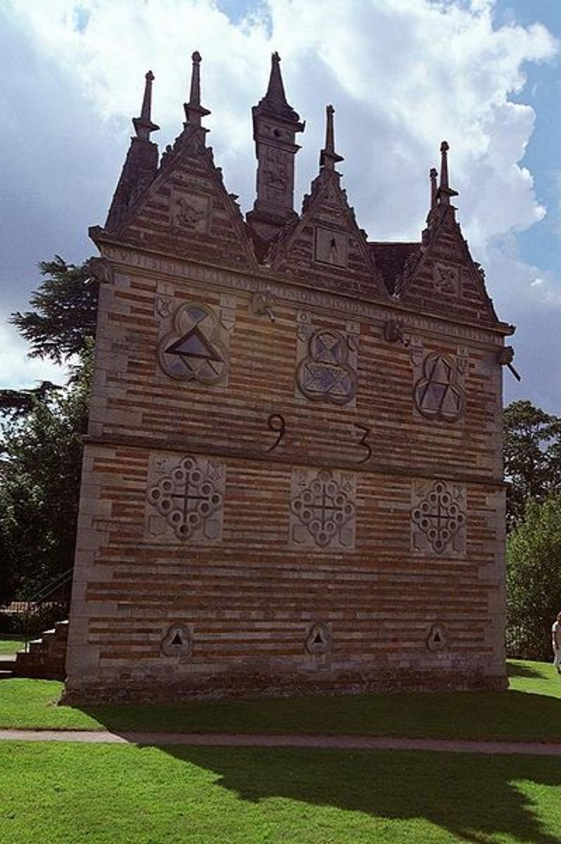 Licensed under Creative Commons. See: http://en.wikipedia.org/wiki/File:Rushton_Triangular_Lodge_BY_ROBERT_KILPIN.jpg