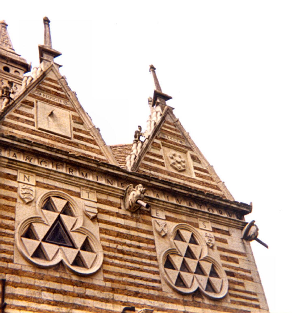 Sir Thomas Tresham's Intriguing Tudor Triangular Lodge - Rushton (Northants. UK)