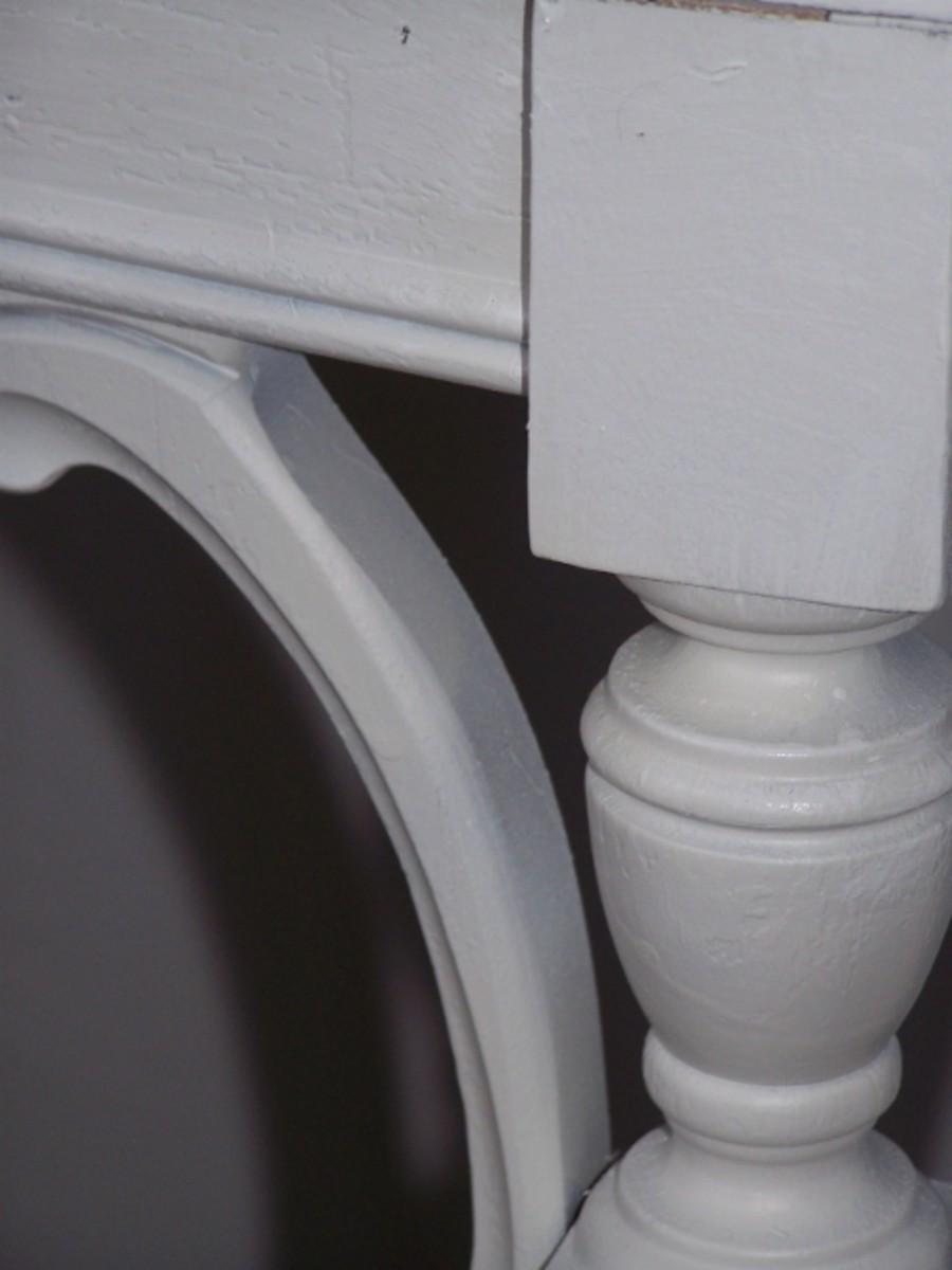 White Table Leg