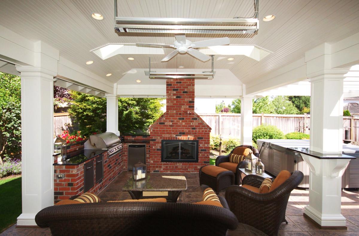 Comfortable Outdoor Room