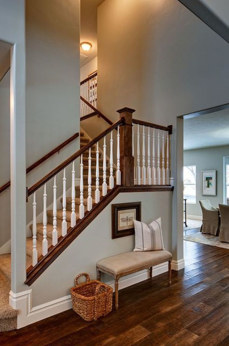 Make sure your entryway looks nice and is clear of all forms of clutter, A fresh coat of paint can make a huge difference in your homes appearance.