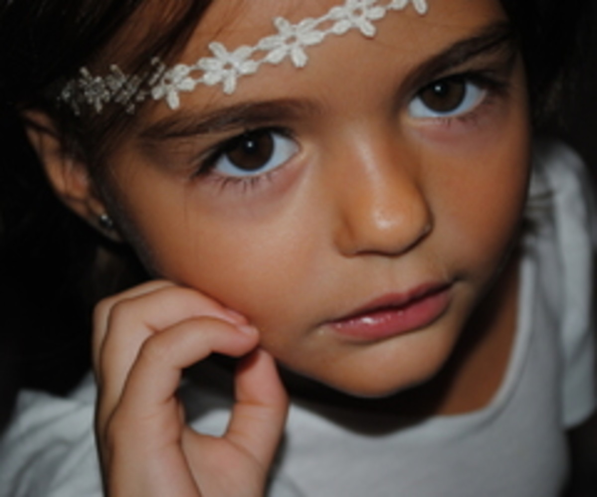 the-pretty-little-girl-a-daily-disguise
