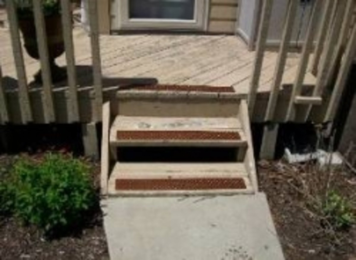 mountable outdoor stair treads