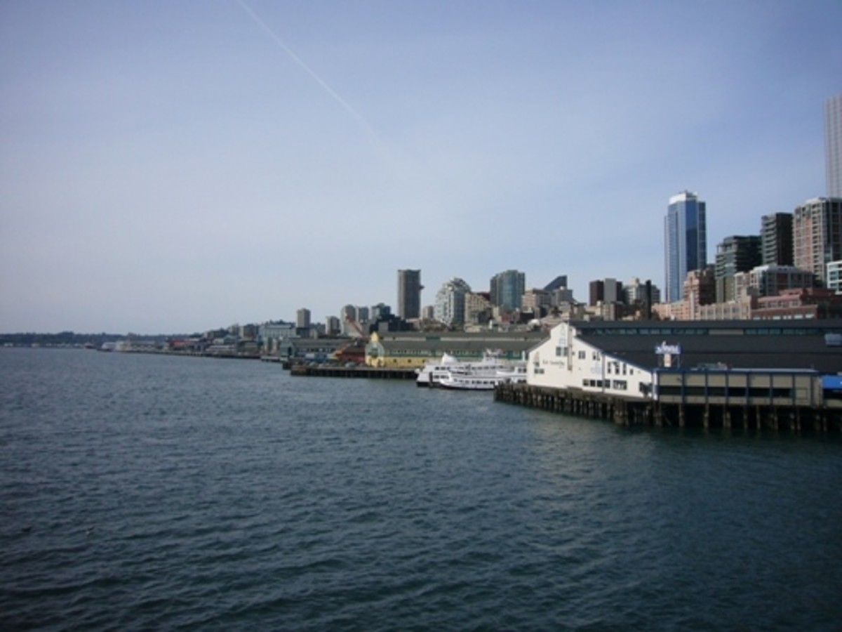 View along the waterfront from the ferry dock at pier 52