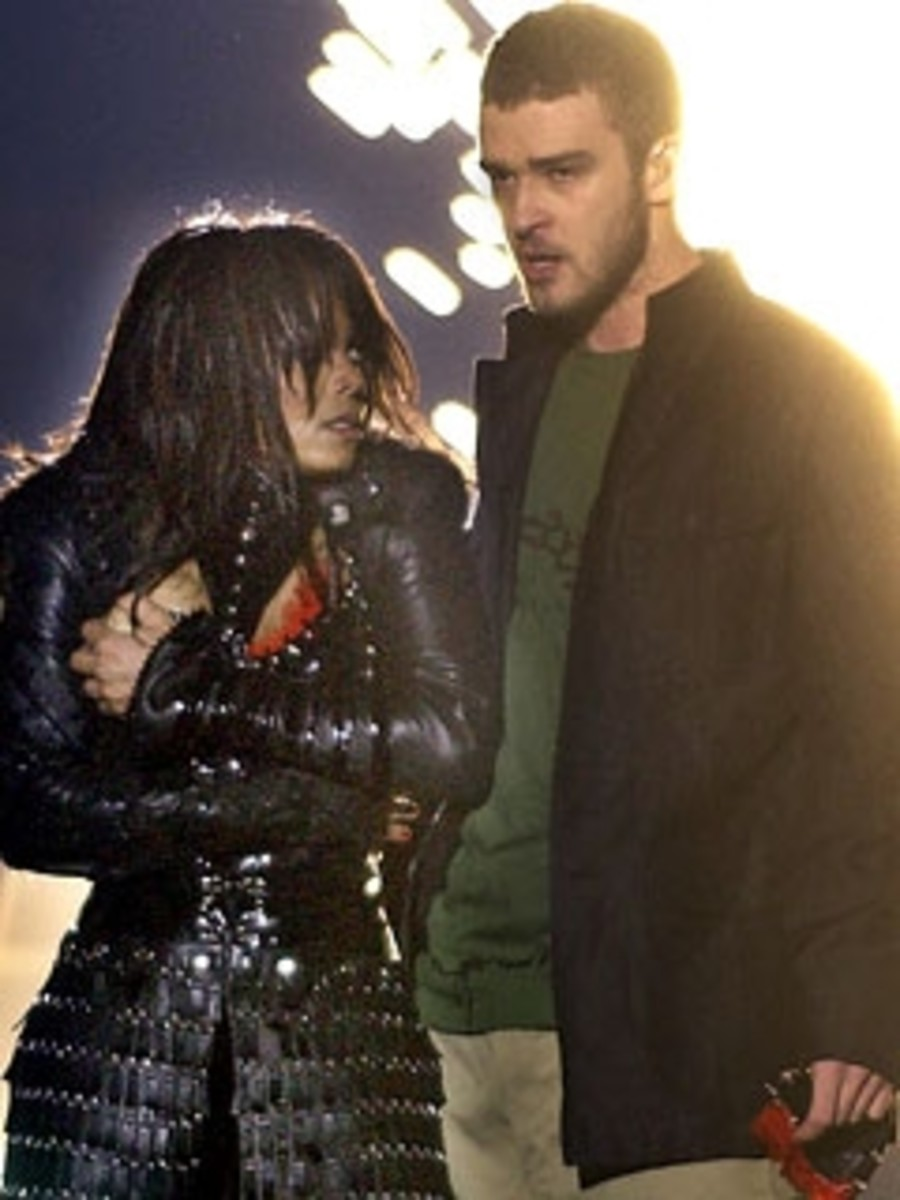 Janet Jackson & Justin Timberlake at Super Bowl