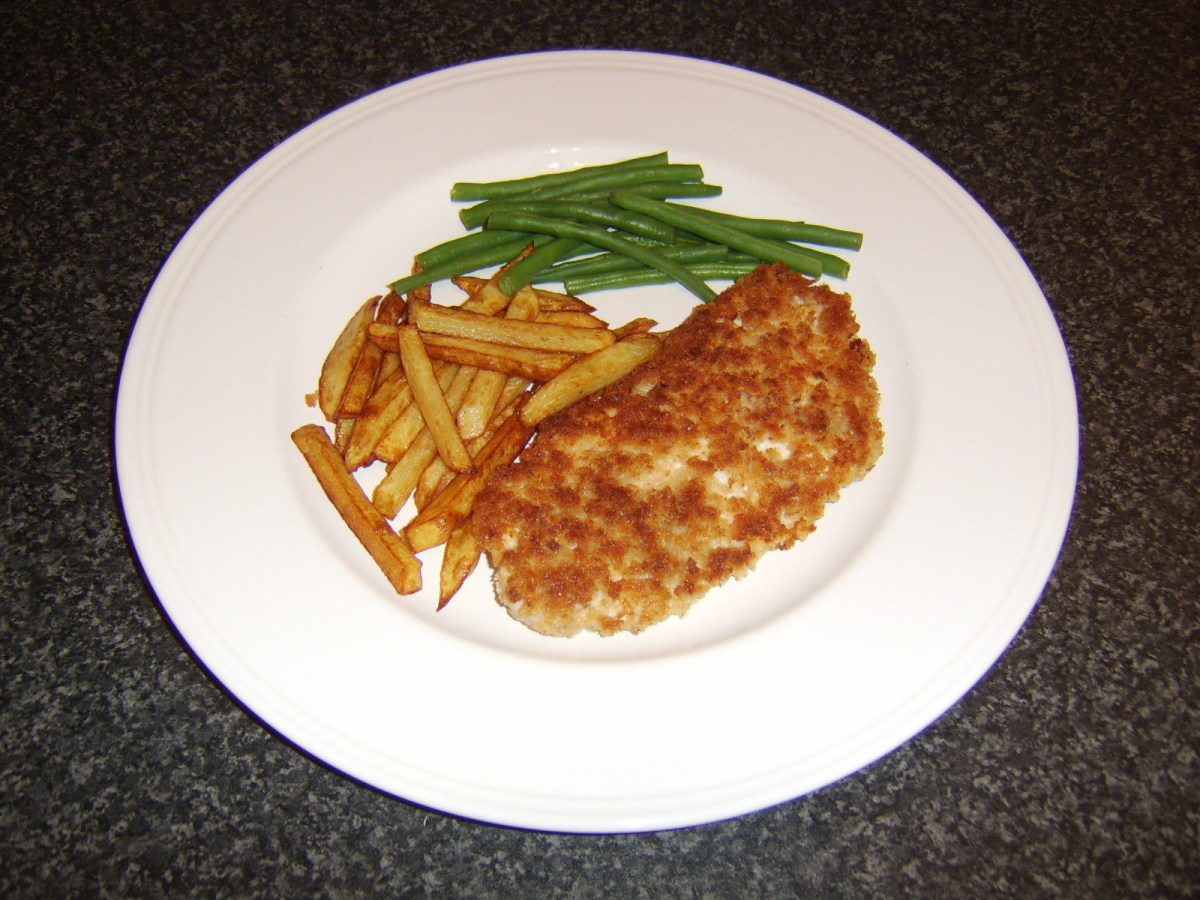 Turkey schnitzel with French fries and green beans