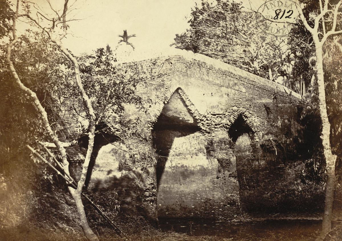 Old bridge, called Dullalpur pul, Sonargaon, 1872