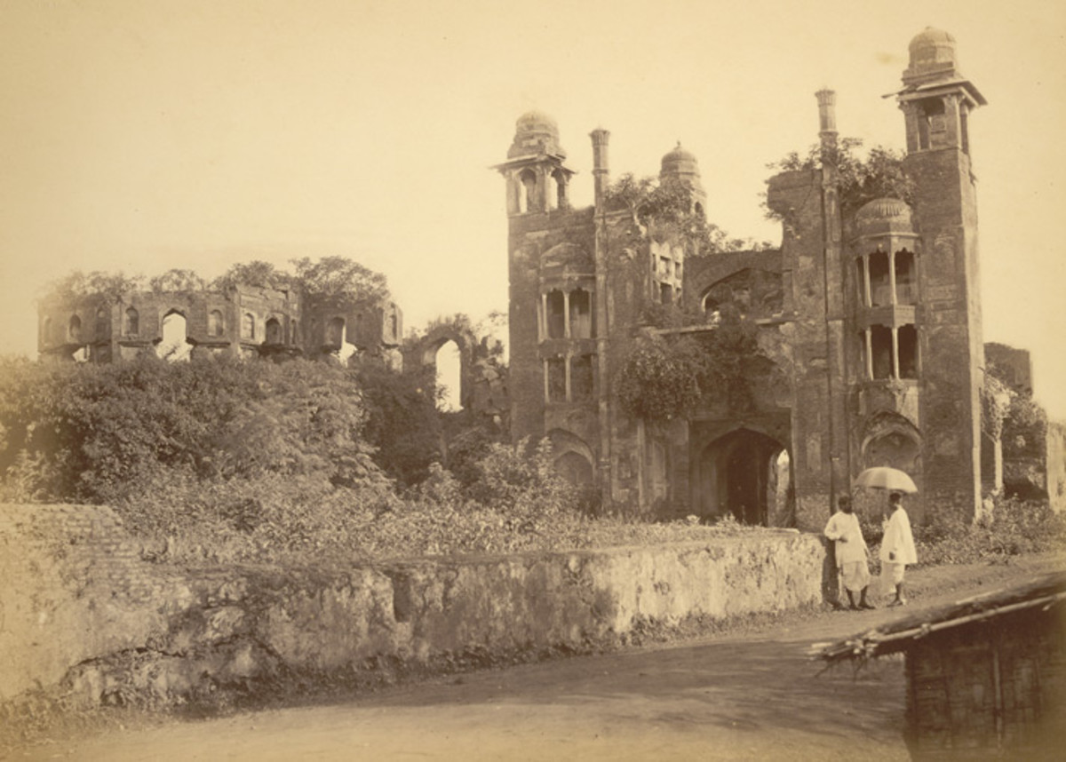 Lalbagh Fort, south entrance, north view, 1870
