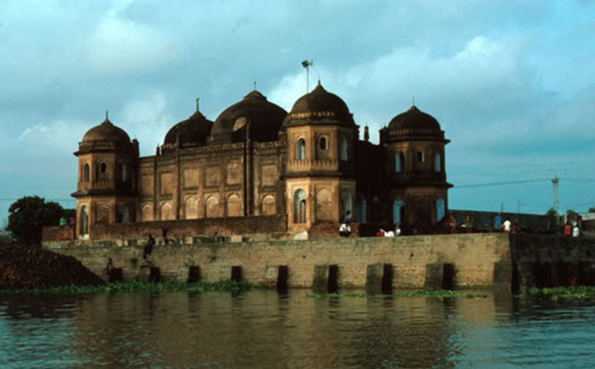 Shat Masjid, Before the Dhaka Protection Dam was built