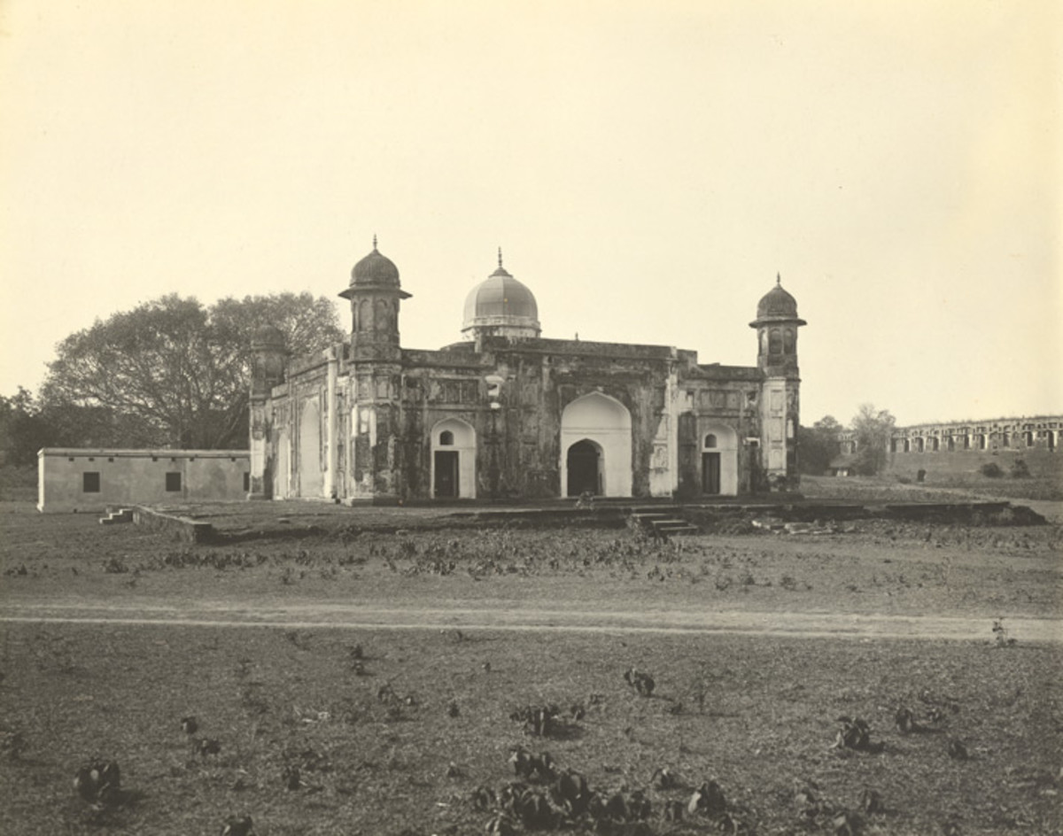 Pori Bibi's [daughter of Shaista Khan] Tomb, Lal Bagh, 1904