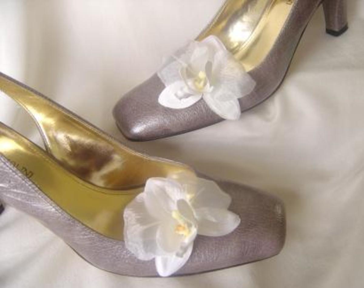 Orchid flower shoe clips