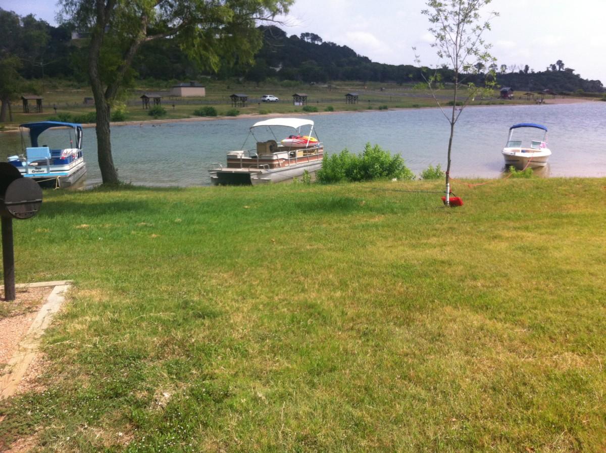 Beach your boat - Westcliff RV Camping sites - Lake Belton TX