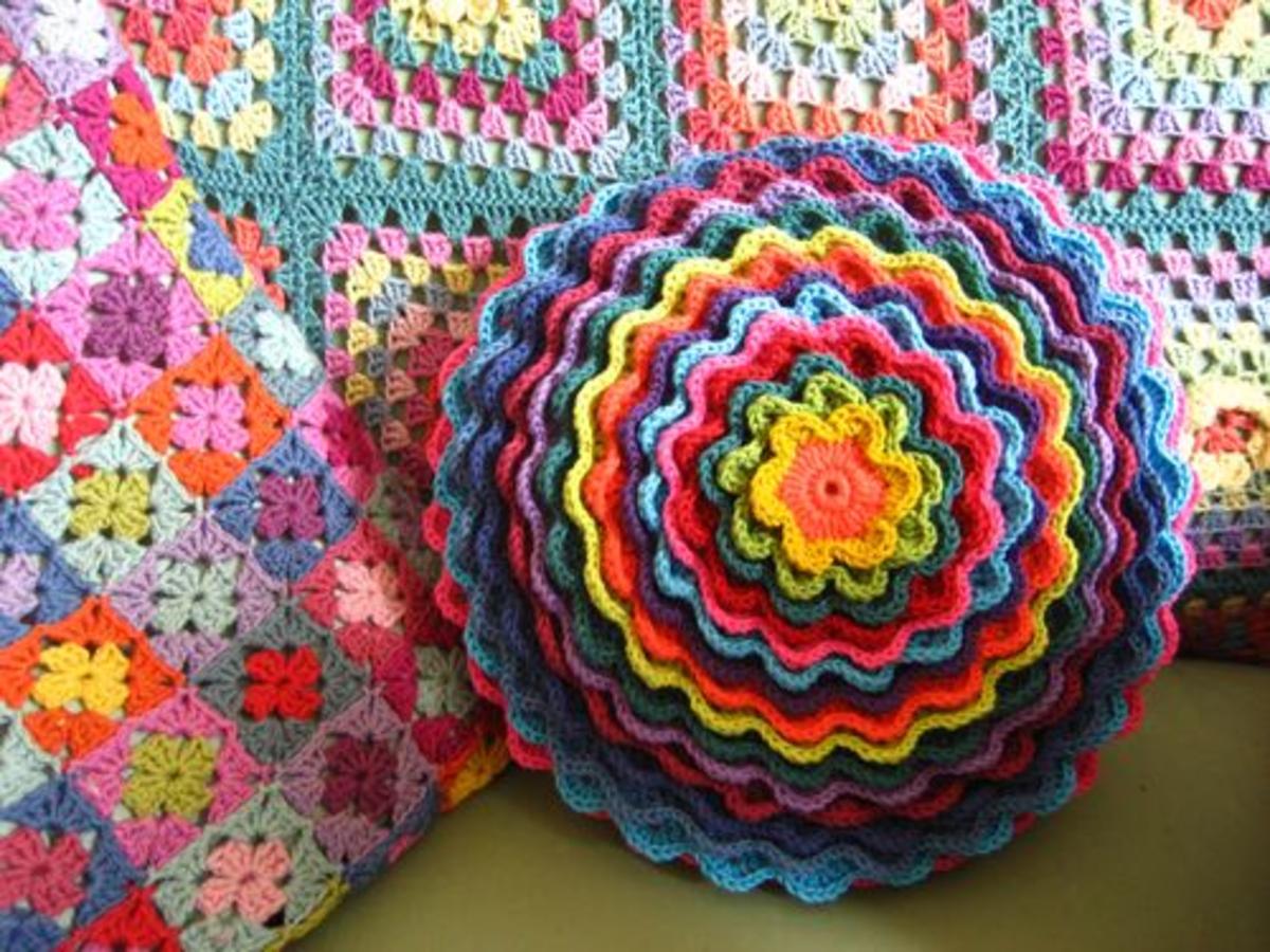 Crochet Flower Pillow DIY