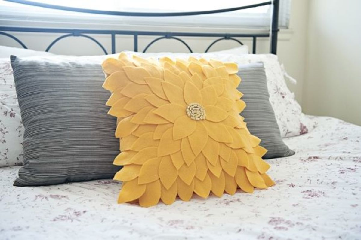 DIY Flower Pillow - Sunflower Pillow