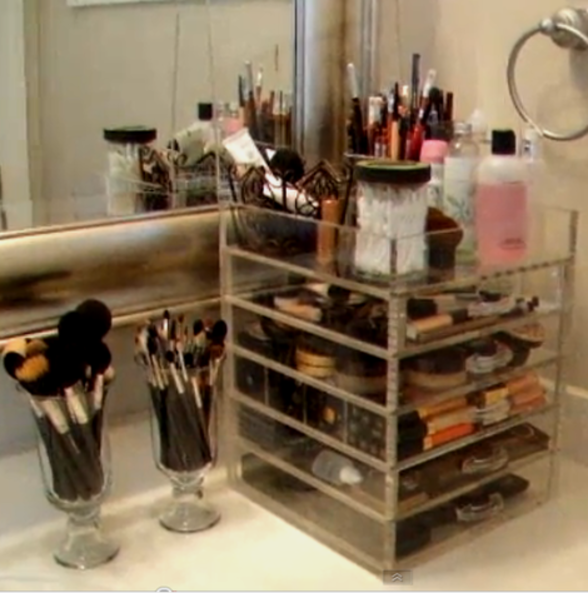Bathroom Makeup Organizers kim kardashian bathroom makeup organizer - mugeek vidalondon