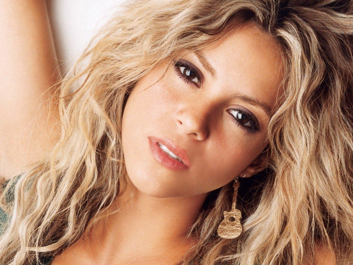 8. Shakira. Impressive voice and good looks. Who wouldn't know her?
