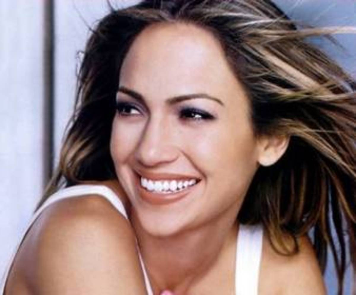 "4. Jennifer Lopez. i love her song ""I'm into you"". Very gorgeous."