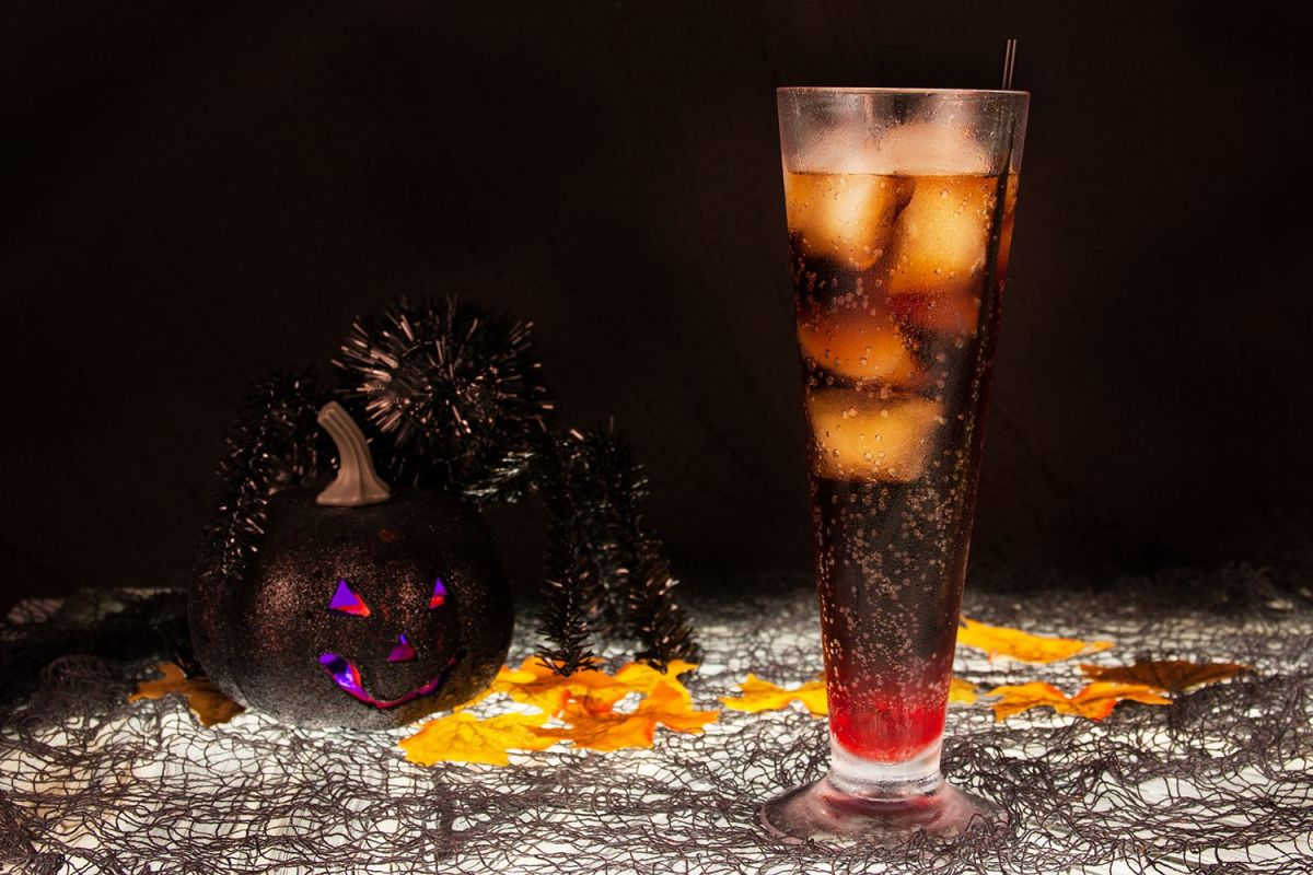 Dracula's Kiss Cocktail Easy Halloween Party Treats