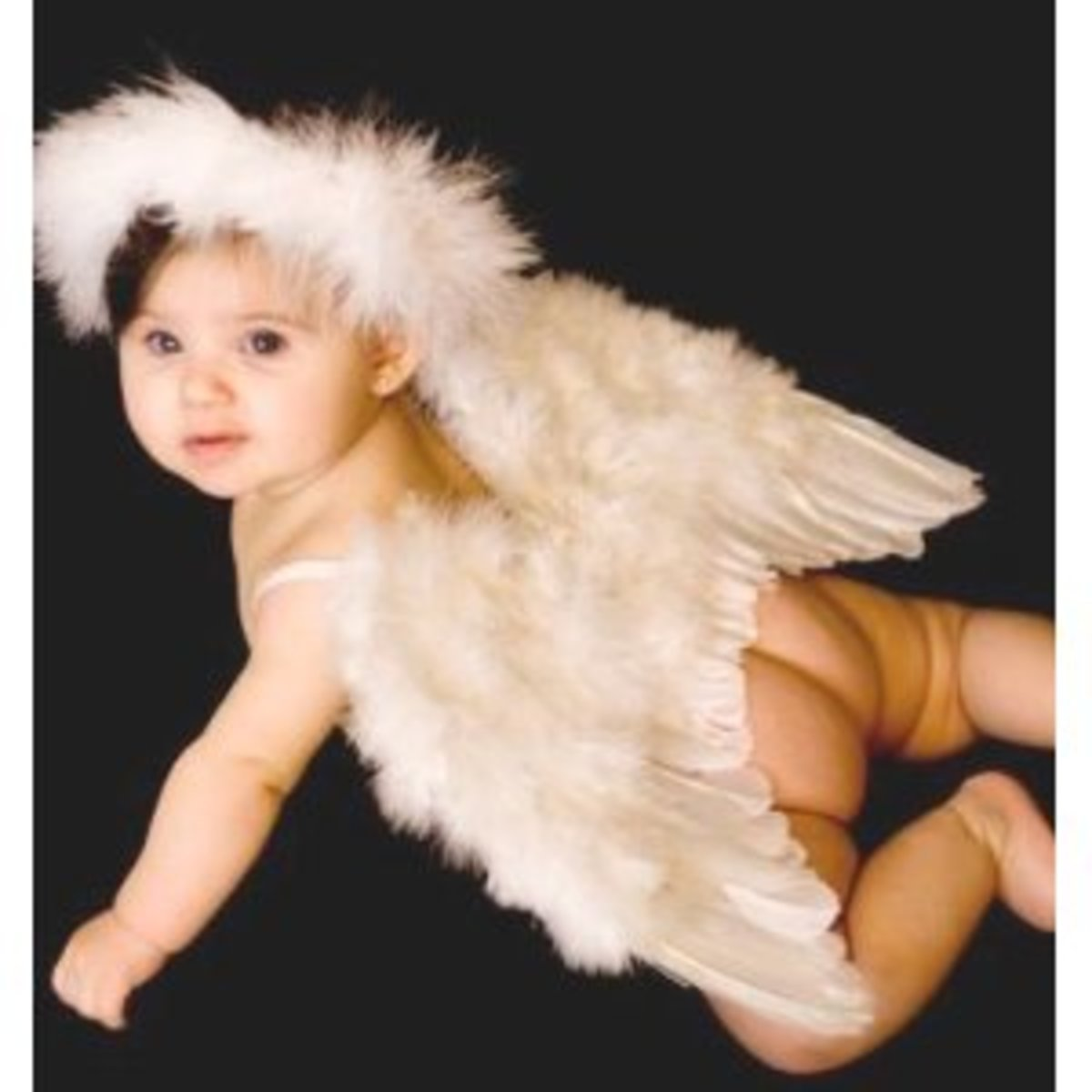 Celebrate Baby's first Halloween with this gorgeous baby angel costume.