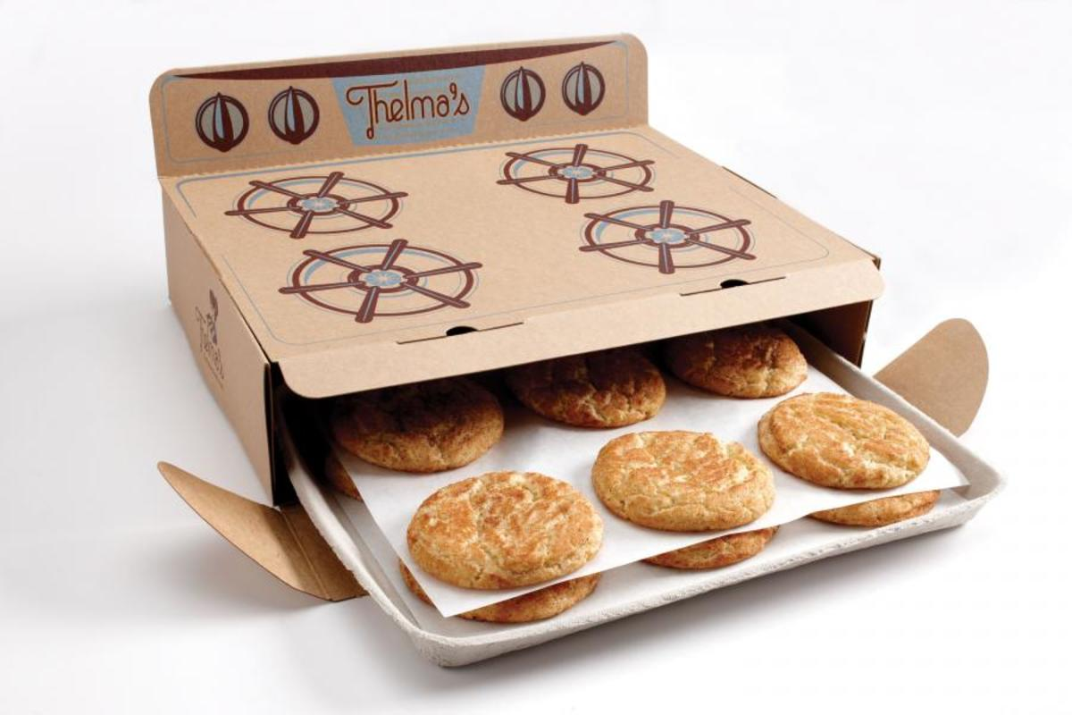 This oven-like gift box can easily turn any batch of cookies into a thoughtful gift.