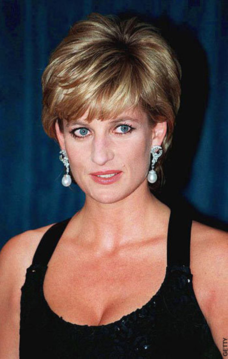 A former secret agent claims that Diana's phone calls were being bugged by MI6