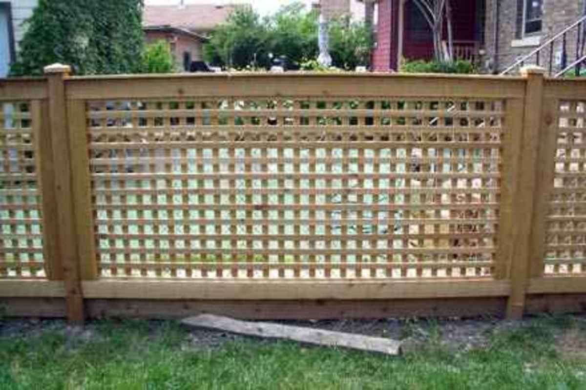 How to install lattice privacy screens method 1 direct for How to build a lattice screen fence