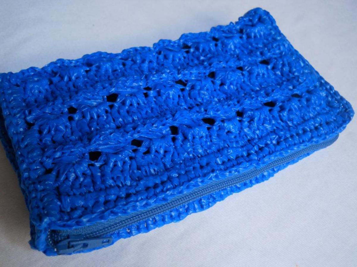BOXY Crochet Pouch (from another angle)