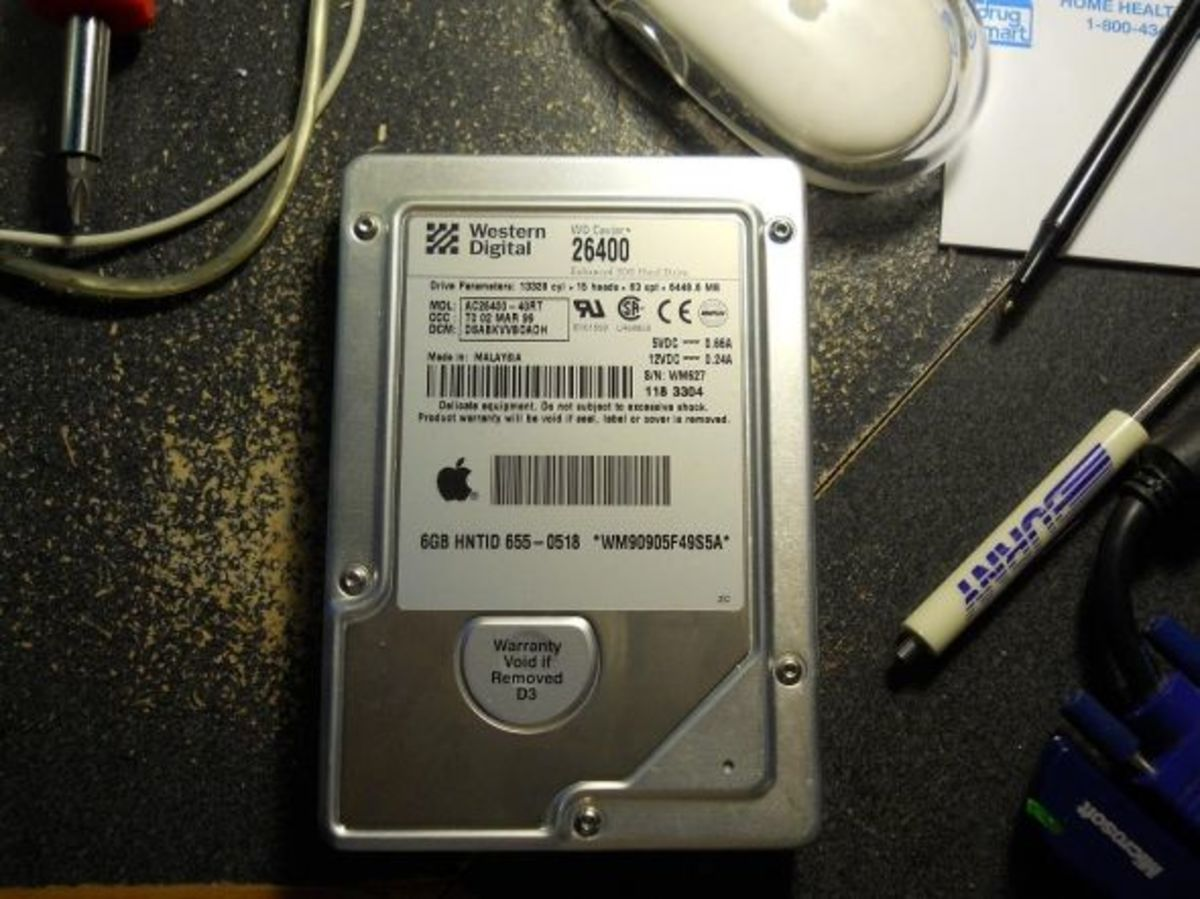 replacing-the-hard-drive-in-an-imac-g3-333mhz-tray-loading-computer