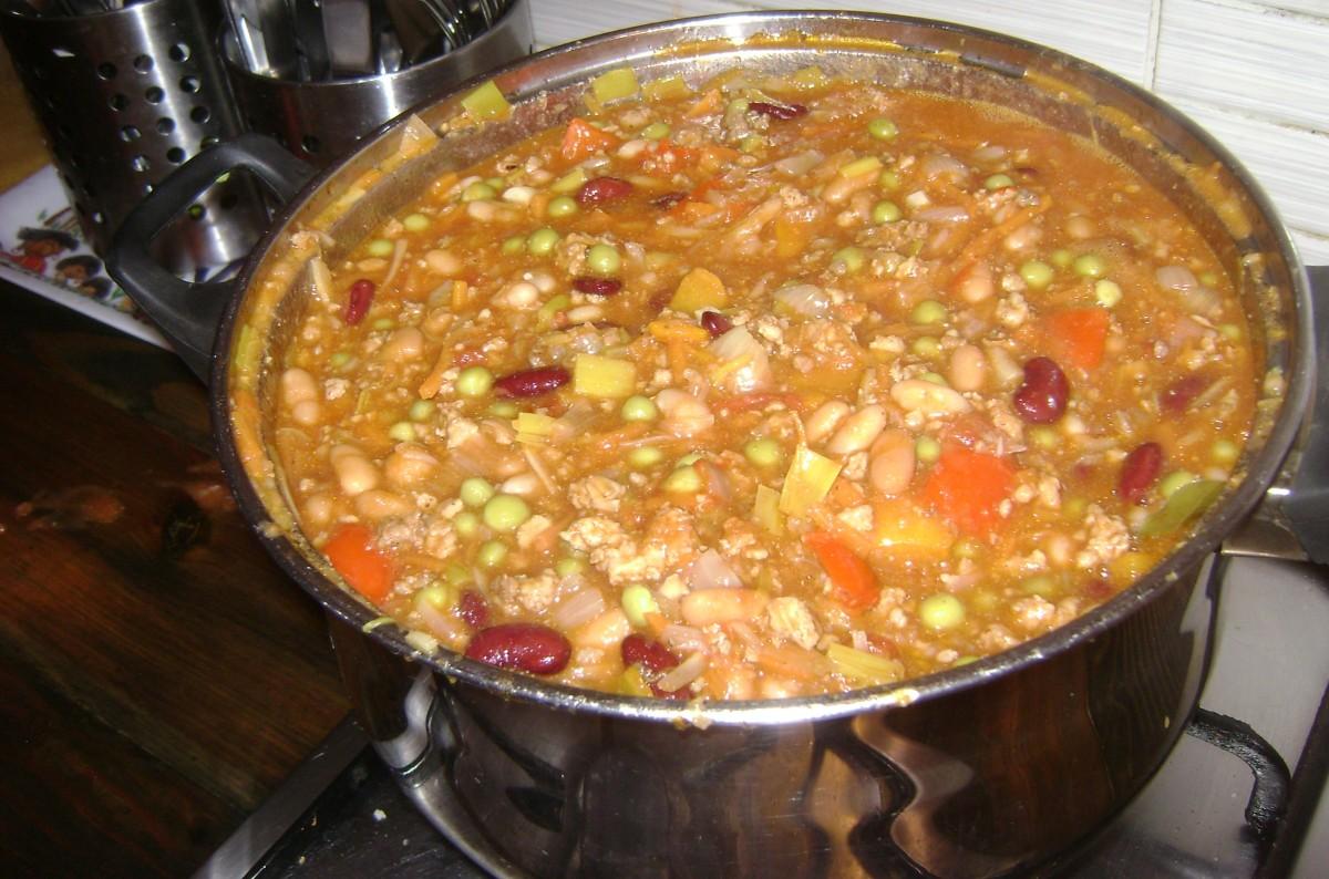 hungarianfood-bean-soup-a-la-jokai