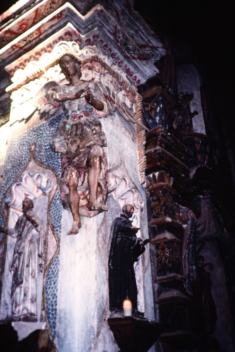 Interior photo of Mission San Xavier del Bac