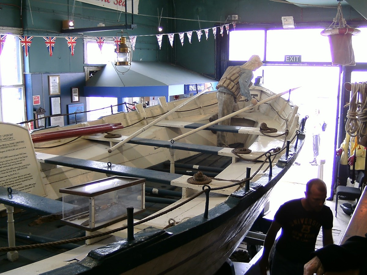 Spend some time at the Lifeboat Museum at the eastern end of the promenade, look in on the oldest lifeboat, the 'Zetland', named in honour of the local landowner, Lord Zetland (the Earl of Shetland - it's a long story)