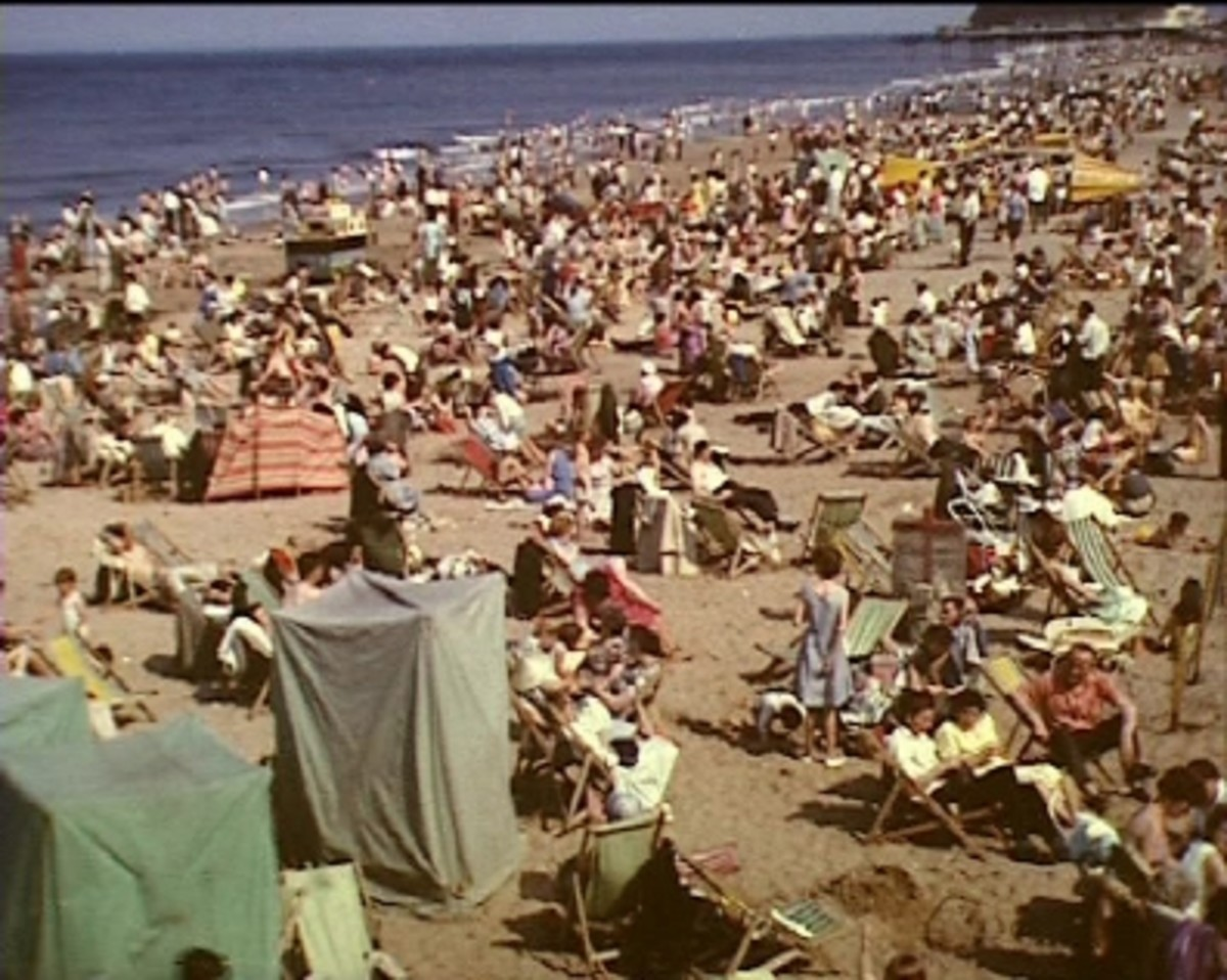 This was more the reality in the 50s before package holidays saw the beach empty in the sixties and seventies. These days its mostly dog-walkers and runners you see on the beach, aside from tractors bringing inshore fishing boats to the ramp