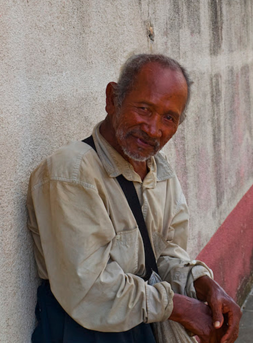 Old man on the streets of Diriamba, Nicaragua
