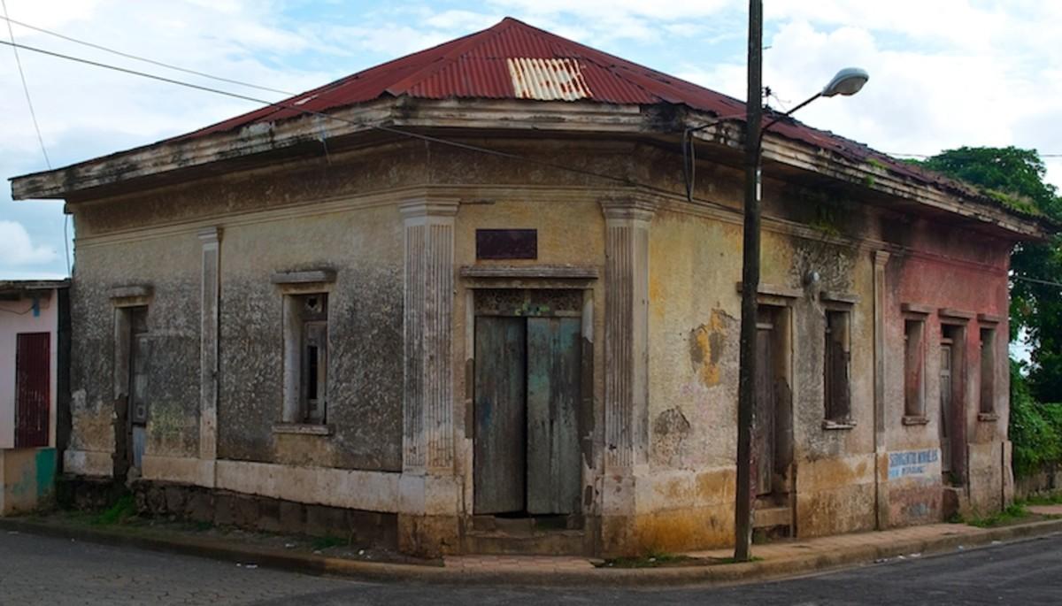 Abandoned building in Diriamba, Nicaragua