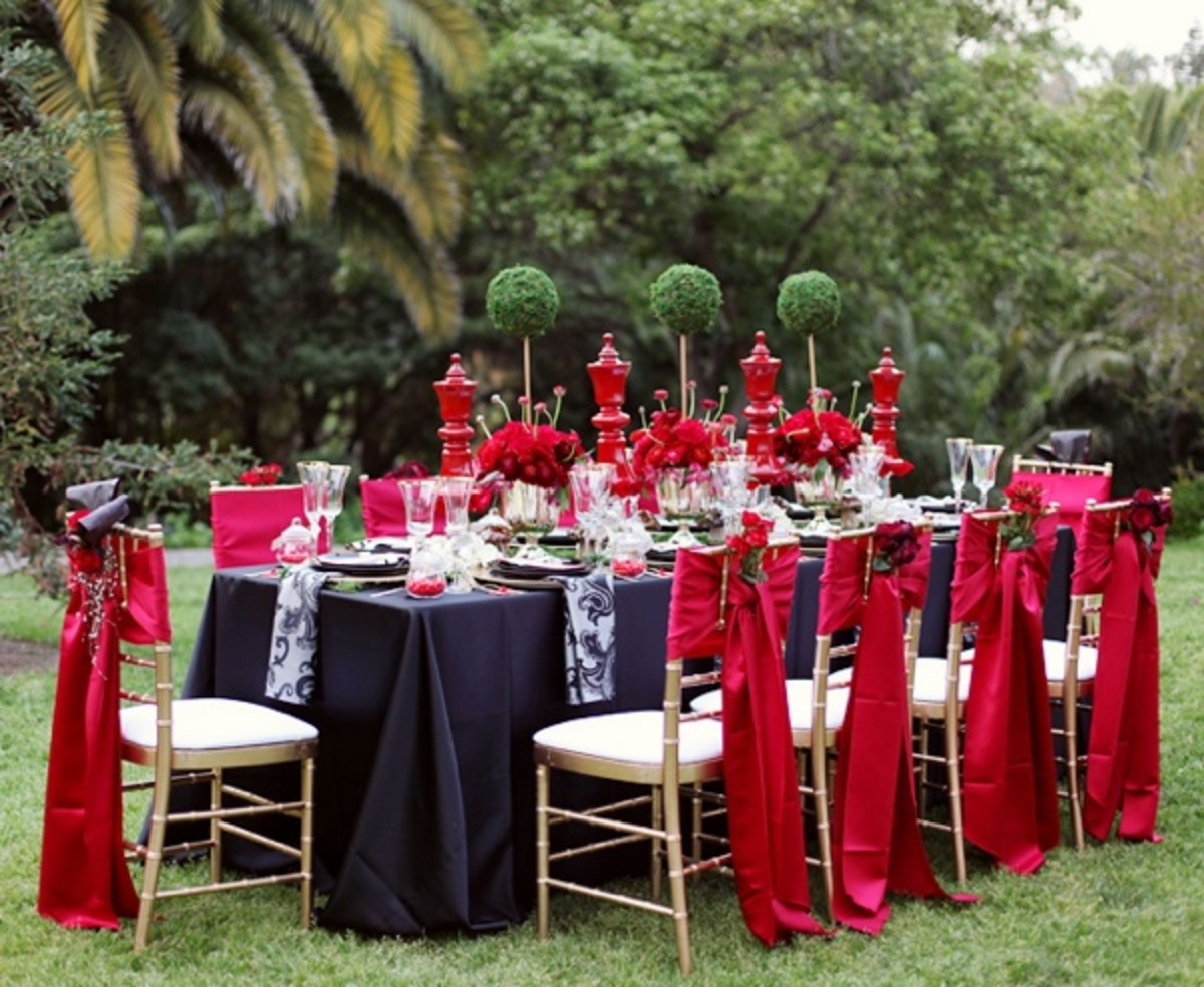 alice-in-wonderland-themed-wedding-a-vintage-storybook-theme-for-the-offbeat-bride