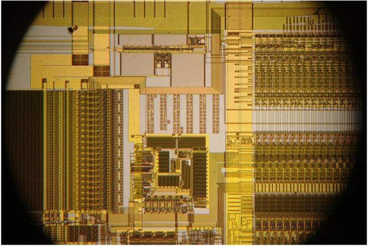 Intel 486 Internals Obtained under Creative Commons license from http://www.flickr.com/photos/yellowcloud/4525279686/in/photostream/#