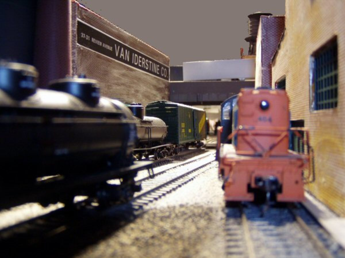 model-train-resource-ho-scale-track-plans-for-shelf-layouts