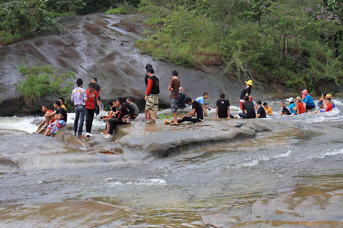 Visitors in the midst of the (mild) rapids