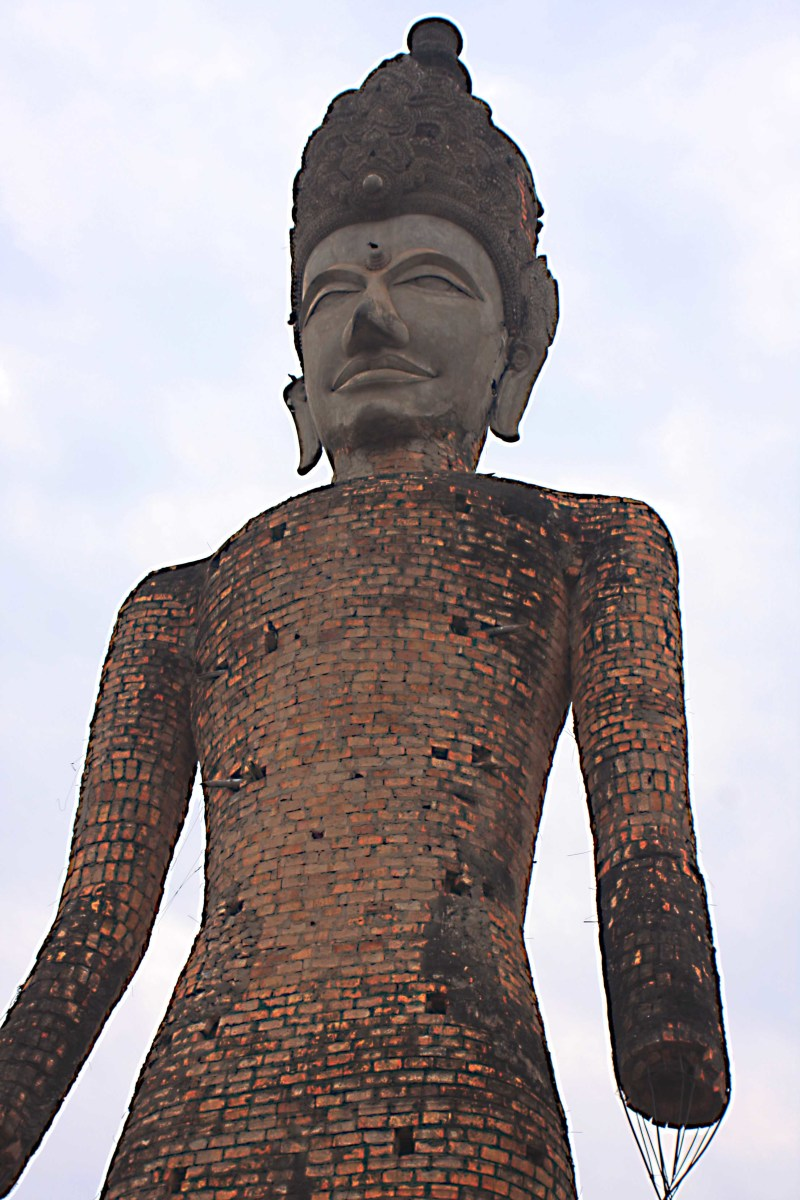 This impressive 80 foot high giant Buddha statue greets visitors to Salakeoku, also known as 'Sanctury Park'