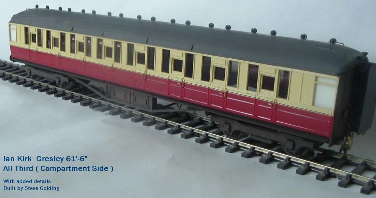 Ian Kirk 'O' Gauge Gresley Side Corridor coach in BR crimson and cream - handsome, if you've got the space for a decent sized exhibition layout, unless you own a palace