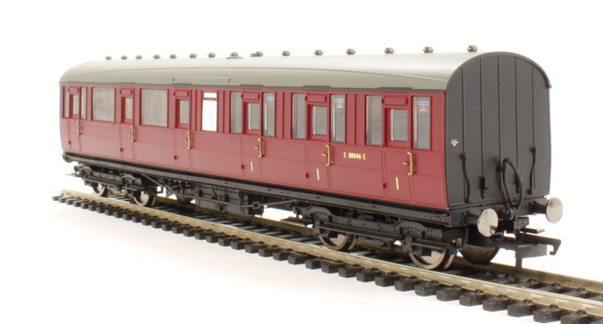 Hornby Gresley Lavatory Composite coach, Cat R4521A. Not as convincing as the all first, with the pannelling understated along the 'waistline'. I built a well-weathered Ian Kirk kit version that I prefer, brass wire for handrails in the corridors