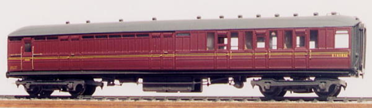 "D40A/174 Gresley 61'-6"" Side corridor Brake 2nd in BR Maroon (1955 onward) from Comet Models with detailed interior"