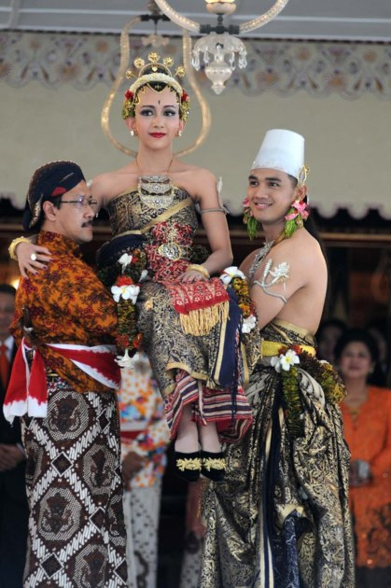In one of the processions the bride, GKR Bendara, is lifted by the groom, KPH Yudanegara and the bride's close relative, symbolizing their intention to respect, love, and  keep her to be a beloved one.