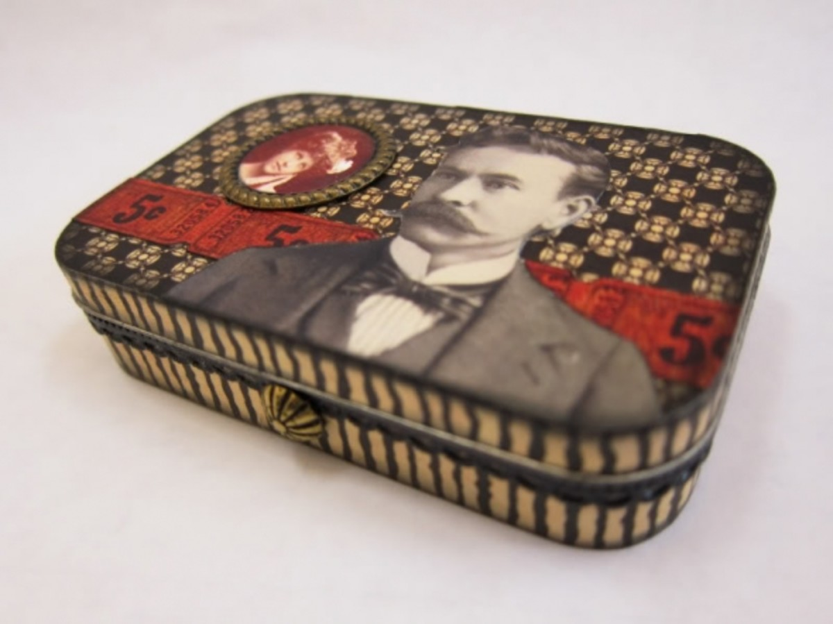 Altered Altoids Tin Tutorial. Save those Altoid Mint Tins and make little altered art pieces. Photo Credit:  rackycoo.
