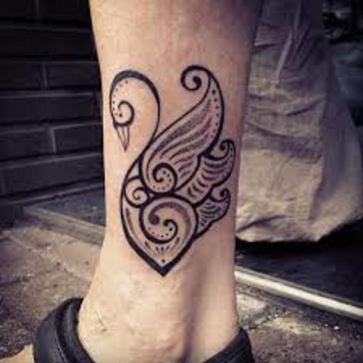 Mirror Tattoo Designs Ideas And Meaning: White And Black Swan Tattoos And History-Swan Tattoo