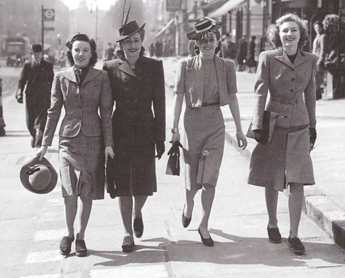 1940s Fashions were, and are, perfect for inverted triangles.